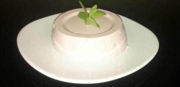 Ingredientes 1/2 kilo fresas 400g lata de leche condensada (aunque este ingrediente es más bien al gusto, de dulce) 3 claras de huevo 400 cc de nata 8 láminas de […]