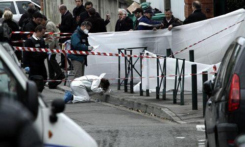 Toulouse está de luto. Un motorista disparó a las ocho de la mañana contra un grupo de padres y alumnos a la puerta del Ozar-Hatorah colegio judío, acabando con la […]