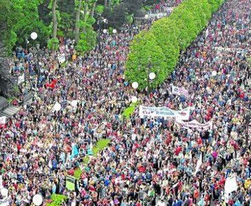 La jornada de huelga de ayer ha sido secundada por 175.000 manifestantes en Madrid y 270.000 en Barcelona, siguiéndolas de cerca ciudades como Bilbao o Valencia. Las cifras por supuesto, […]