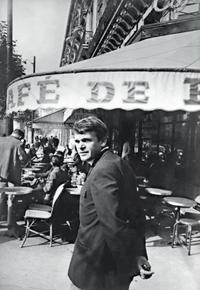 Milan Kundera nació un día como hoy en Brno (antigua Checoslovaquia), en 1929. Fue pianista de jazz, afiliado al Partido Comunista, del que fue expulsado en 1948 y en […]