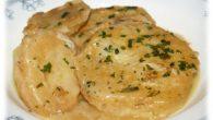 Ingredientes (para 6 personas) 1 Kg de patatas 1 plato sopero con harina 4 huevos ¾ de litros de aceite 1 cebolla pequeña muy picada 1 diente de ajo 1 […]