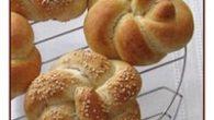 Ingredientes para 14 Pretzels 60 gr. de agua templada 13 gr. de azúcar 25 gr. de levadura fresca o 10 gr. de levadura de panadería seca —– 370 gr. de […]