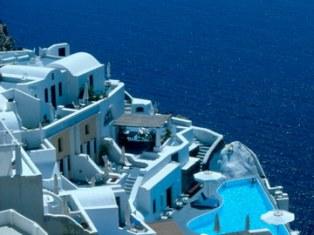 Ya sea por sus vistas, por su dimensión o por el maravilloso entorno que las rodea, las piscinas de los siguientes 10 hoteles no dejan indiferente a nadie. Los huéspedes […]