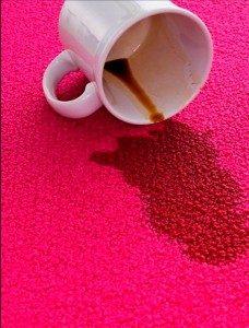 Aceite en algodón y lino.- Si se descubre a tiempo bastará con espolvorear bien con polvos de talco y dejar secar durante una hora como mínimo. Después se cepilla para […]
