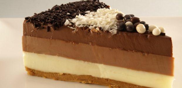 Ingredientes 200 gramos de chocolate negro (fondant 72%) 200 grs.de chocolate con leche 200 grs.de chocolate blanco 125 grs. de azúcar 750 ml.de nata 750 ml.de leche 3 sobre de […]