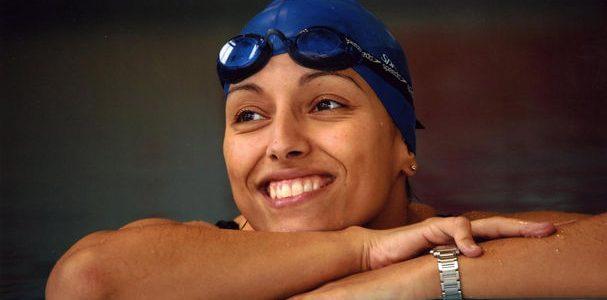 Cuando me quedé paralítica no sabía nadar. Mi primera vez en la piscina, sin sensibilidad en las piernas, con un salvavidas, haciendo acrobacias y con mi tío y mi hermano […]