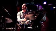 El baterista Juanma Barroso presenta en Bogui Jazz, este sábado, en pases a las 22:30 y 23:30h., su primer disco como líder, «Nairi», un trabajo que llega tras […]