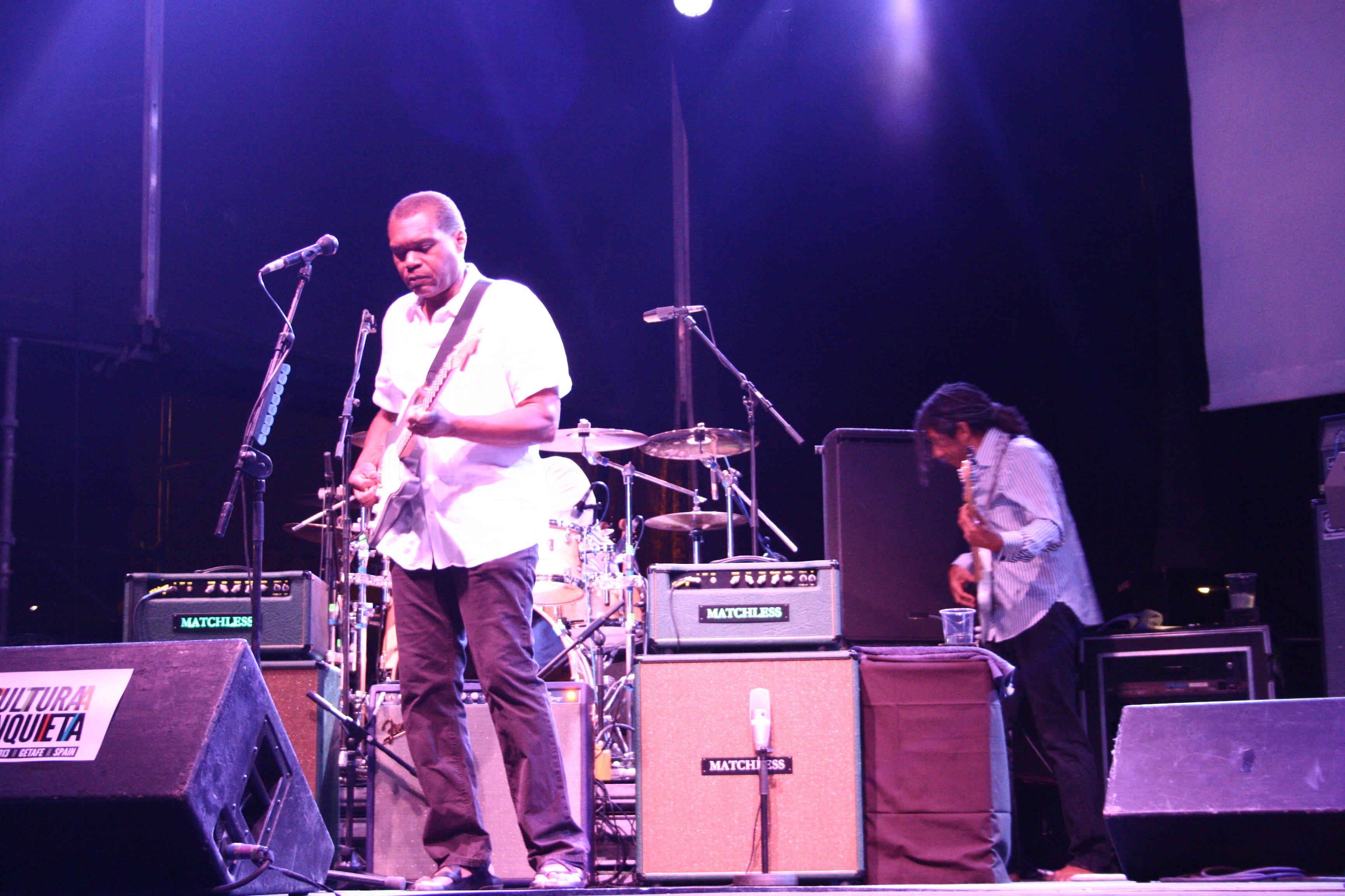 La noche del 10 de Julio en el Festival Cultura Inquieta de Getafe fue calurosa, muy calurosa. El gran Robert Cray lanzaba notas ardientes desde su guitarra Fender y el […]
