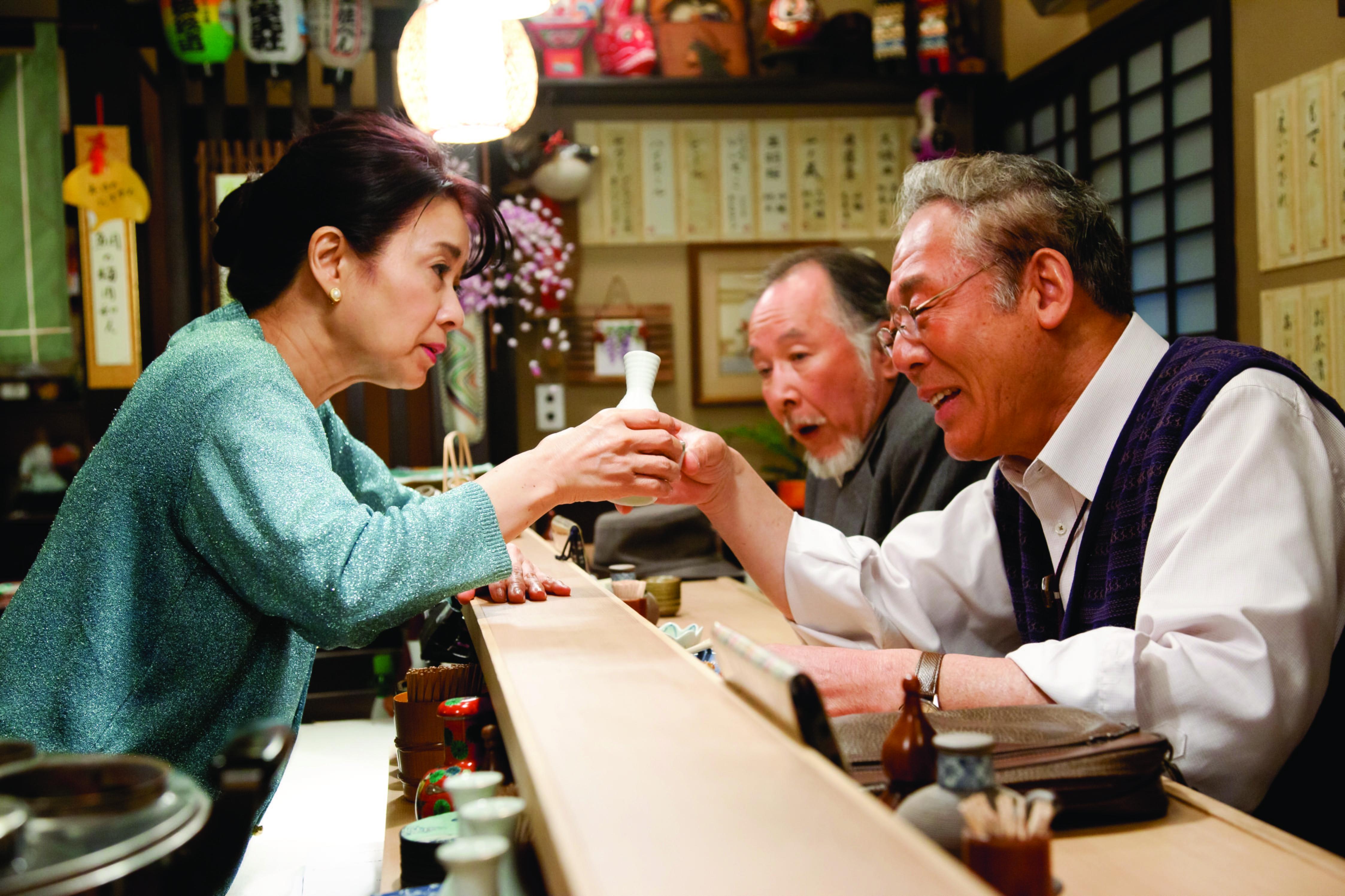 . Título:Una familia de Tokio (Tokyo kazoku), (Tokyo Family) Director:Yôji Yamada Guión:Yôji Yamada Reparto:Isao Hashizume,Etsuko Ichihara,Tomoko Nakajima,Yu Aoi,Yui Natsukawa,Satoshi Tsumabuki,Bunta Sugawara,Masahiko Nishimura,Shigeru Muroi,Shozo Hayashiya Duración:146 minutos Año:2013 País:Japón Música:Joe Hisaishi […]