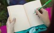 Título: Practicando la escritura terapéutica Autor: Reyes Adorna Editorial: Desclée de Brouwer Páginas: 176 ISBN: 9788433026767 Precio: 12€ Puedes comprarlo aquí  Sinopsis: Escribir posee una capacidad terapéutica que […]