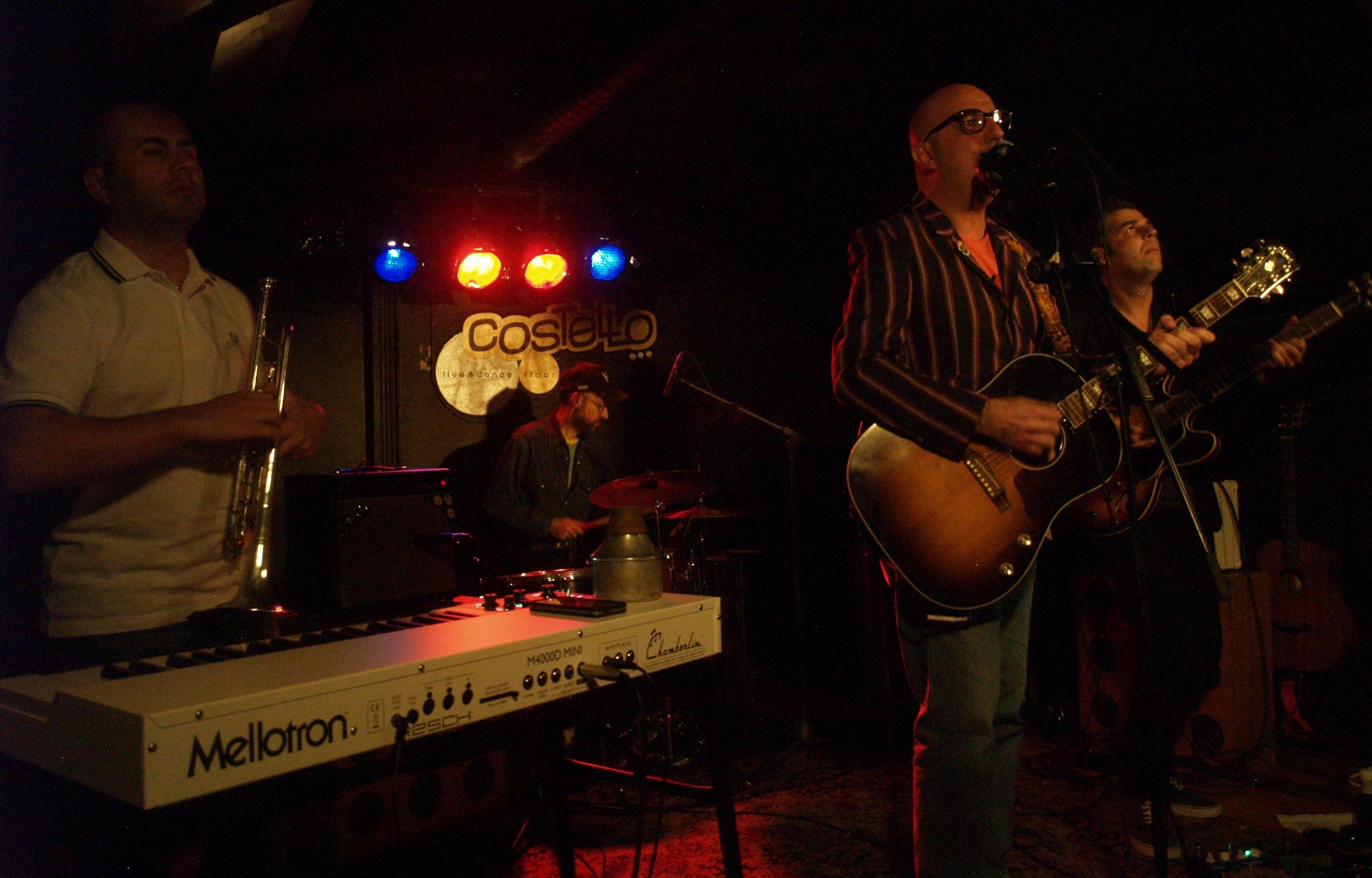 Uno de los maestros de la palabra volvió a Madrid y desplegó su directo en Costello Club, Nico con su banda nos demostró que el paso de los años […]