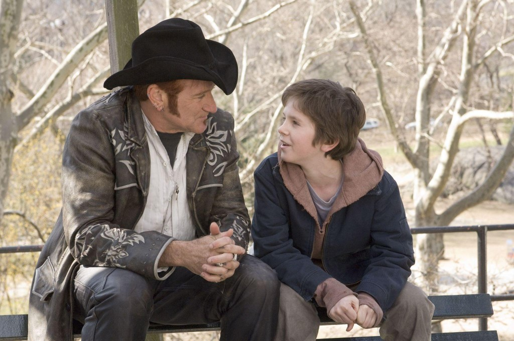 still-of-robin-williams-and-freddie-highmore-in-august-rush-(2007)-large-picture