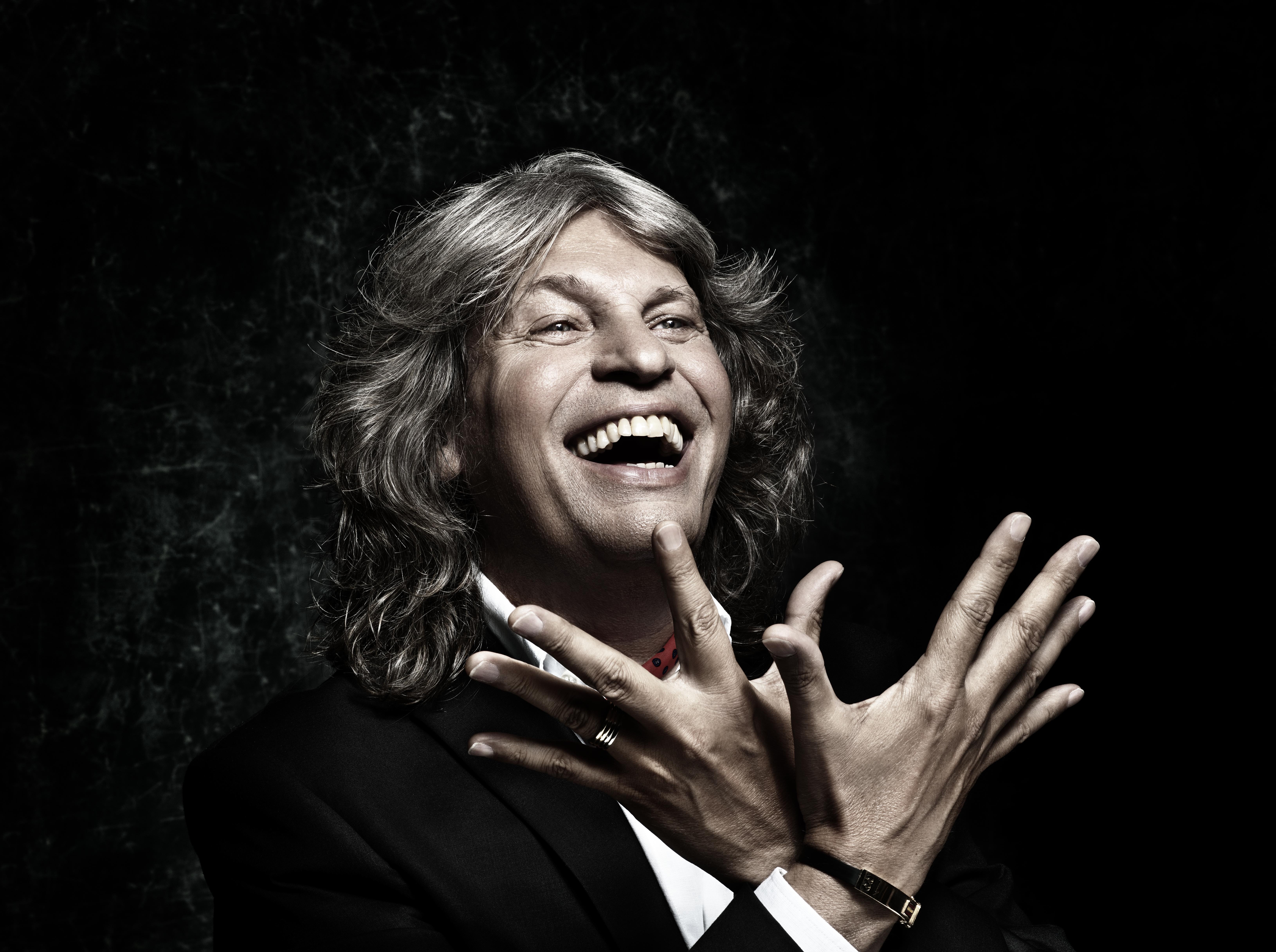 El cantaor jerezano José Mercé dará la bienvenida al 2015 junto a la Orquesta Sinfónica de Castilla y León, OSCyL, con un concierto en el interpretará junto a la agrupación […]