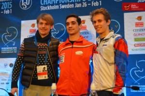 Javier Fernández, en compañía del ruso Sergei Voronov y el checo Michal Brezina. Foto: Hielo Español