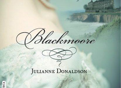 Título:Blackmoore Autor/a:Julianne Donaldson Editorial:Libros de seda Sello:Romántica Año depublicación:2015 ISBN : 978-84-15854-29-6 Páginas:474 Precio:19,95€ Cómpralo aquí. . . . SINOPSIS En la Inglaterra de 1820 la única carrera para la […]